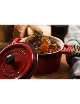 Braised beef with red wine sauce