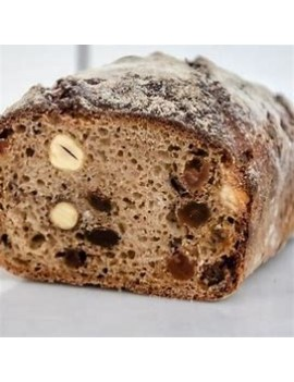 Raisins and Hazelnuts bread