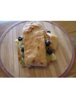 Foccacias aux olives, pesto et fromage